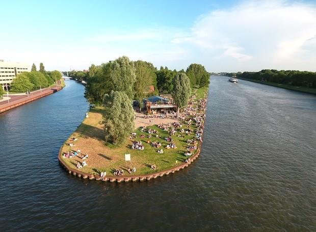 Strand Oog in Al SOIA soia Utrecht What's Live Live Muziek